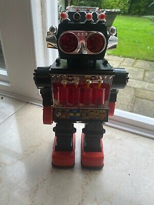 "Vintage Kamco Sentinel 13"" Giant Walking Robot- Battery Op Tested And Working - • 70£"