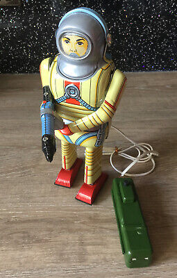 Schylling Space Man Remote Control Space Toy • 85£