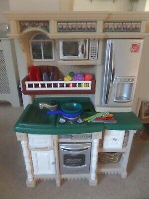 Step 2 Play Kitchen With Food / Utensils And Sound • 20£