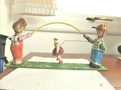 Vintage Japanese Tinplate  Mechanical Boy And Girl With Skipping Rope And Girl • 10£