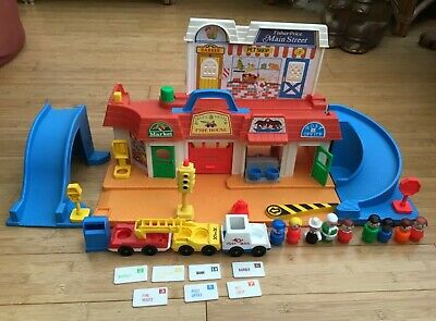 Vintage Fisher Price Little People Main Street 1986 Complete & 5 Extra People • 35£