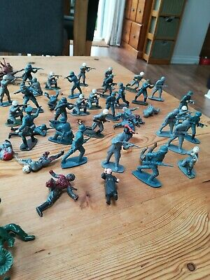 Toy Soldiers Plastic Figures Vintage Job Lot Collection  • 2£