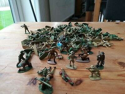 Toy Soldiers Plastic Figures Large Vintage Job Lot Collection • 2£