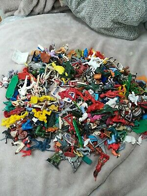 Mixture Of Plastic Figures Large Vintage Job Lot Collection • 6.50£