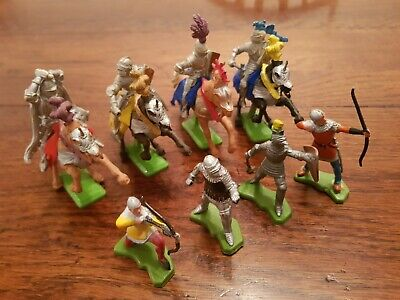 Vintage Britain's Deetail Toy Soldiers Knights And Horses  • 3.49£