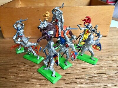 Vintage Britains Deetail Knights Of The Sword Toy Soilders • 3.99£