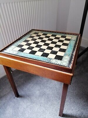 Vintage Wooden Chess Board • 24£