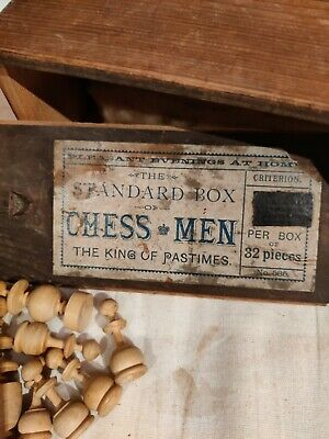 Vintage Chess Pieces • 4.95£
