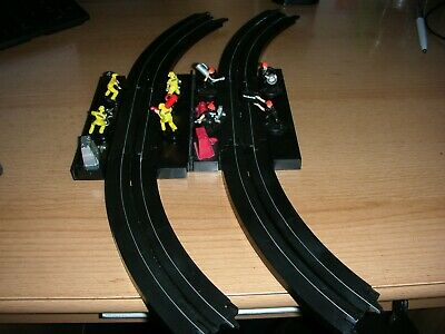 Ho Scale Tyco Matell Slot Car Pit Crews With Track See Images Very Good Conditio • 27£