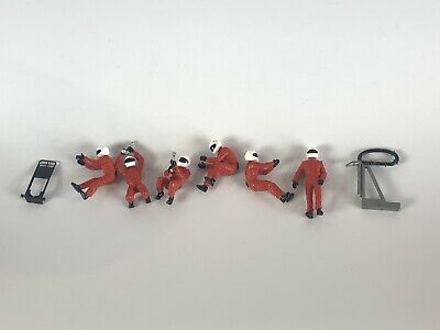 Scalextric Pit Crew Red • 10£