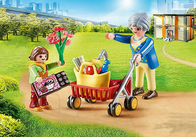 Playmobil Grandmother With Child • 6.99£
