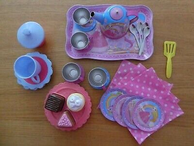 Kitchen Playset, Teapot, Cups, Plates Etc • 5£