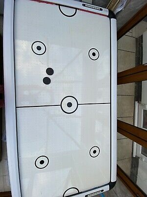 Air Hockey Table • 25£