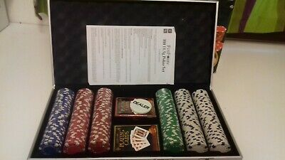 Pro Poker 300 Chip Poker Set  BOX IS SLIGHTLY DAMAGED  Does Not Affect Use  • 20.99£