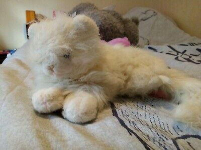Vintage 80s Plush Soft Toy White Cat • 1.50£