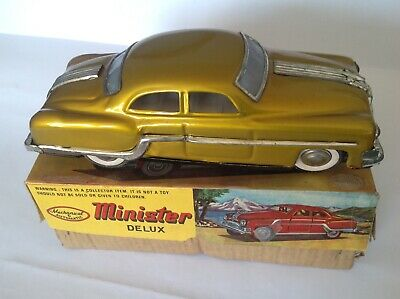 1950s / 1960s Minister Deluxe Tin Plate Car In Gold (with Box) • 15£