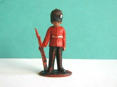 LONE STAR 1960's. BRITISH GUARDSMAN TOY SOLDIER. 1/32 SCALE. HARVEY SERIES. • 1.99£