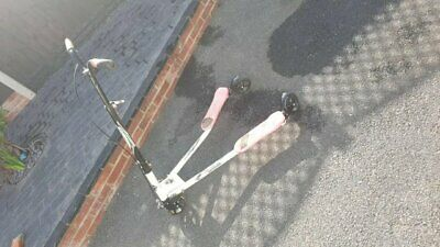 Lovely Shinewood Pink & White Flicker Scooter 10 Years + Hardly Used • 30£