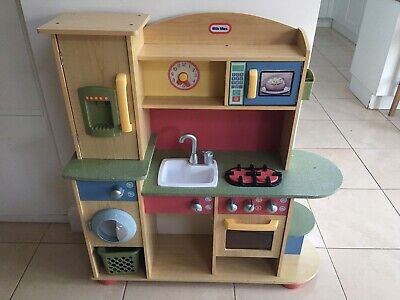 Childrens Wooden Play Kitchen • 5.50£