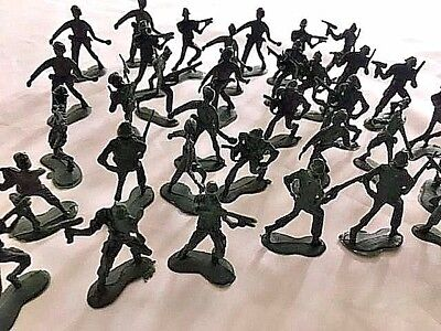 Green Plastic Army Men Military Toy Soldiers • 5.99£