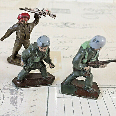 3 Vintage Collectable Lone Star Harvey Series Toy Soldiers Paratrooper Red Beret • 6.99£