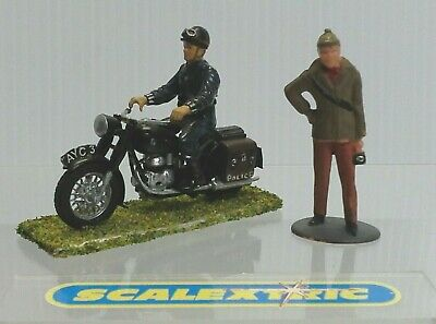 Vintage Style 1960's POLICE MOTORCYCLE & POLICEMAN 1.32 For Scalextric Airfix+++ • 3.99£