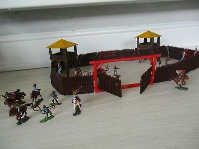 Vintage 1960's Marx Fort Cheyenne & Blue Box Western Town Cowboys And Indians • 5.50£