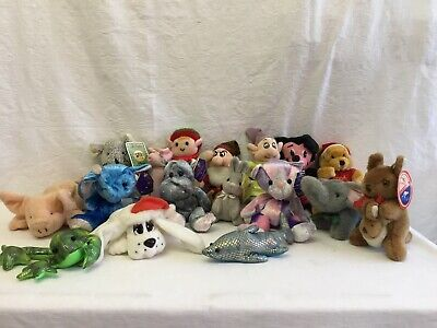 17 Miscellaneous Small Soft Toys • 1.20£