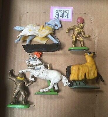 Britains Knights And Horses • 9£