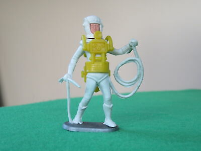 Cherilea Plastic Spaceman With Pick And Hose • 4.99£