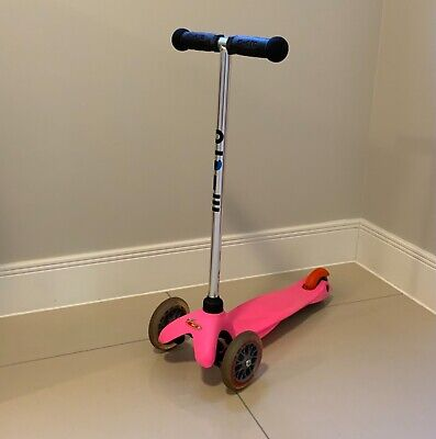 Mini Micro 3 In 1 Scooter (Pink In Excellent Condition + Free Pull Strap) • 9£