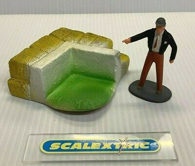 Scalextric Tri-ang 1960's A234 RUBBER MARSHALS POST & MARSHAL (NEW!) ORIGINAL • 16.99£