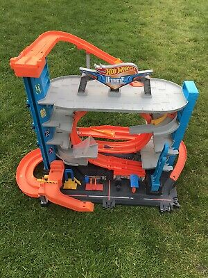 Hot Wheels Ultimate Garage Playset • 45£