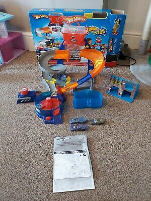 Hot Wheels Colour Shifters/Changers Custom Garage Track And Cars • 12£