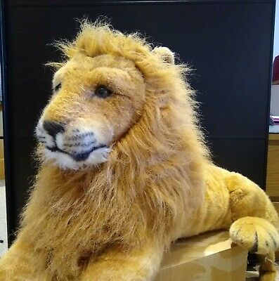 Large Lion Stuffed Toy • 26.99£