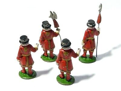 4 Diecast Lead Solider Toys Play Worn Royal  BEEFEATERS 2.5  Tall #7 • 30£