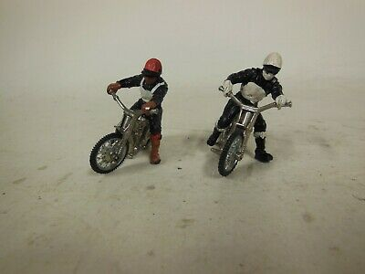 2 Small Speedway Riders And Bikes Approx 6cm Long • 16£