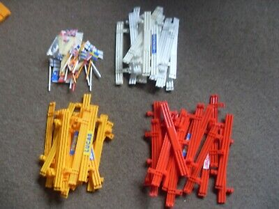 50 X SCALEXTRIC ARMCO BARRIERS + FLAGS • 10£