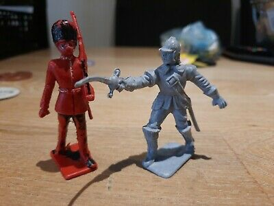 Cherilea Toy Soldiers • 1£