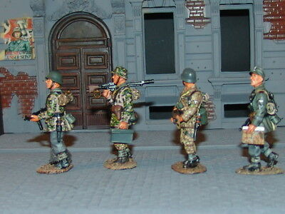 King & Country WSS027 - Panzer Grenadiers On Patrol • 115£