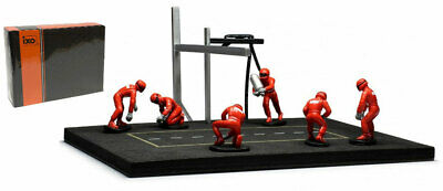 IXO Pit Stop Mechanic Set - 6 Figures (Red Overalls) & Accessories 1/43 Scale • 29.99£