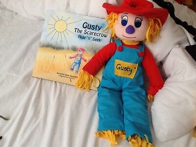 Gusty The Scarecrow Book And Character • 15£