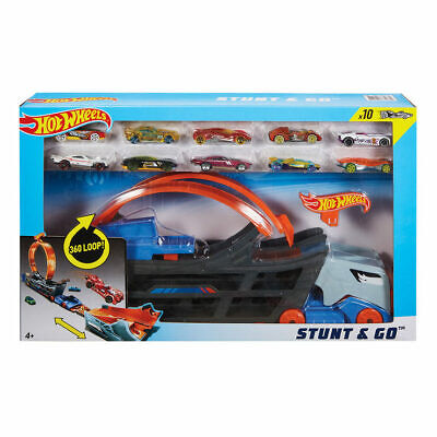 Hot Wheels Stunt And Go Hauler With 10  Die Cast Cars Truck Transporter • 39.49£