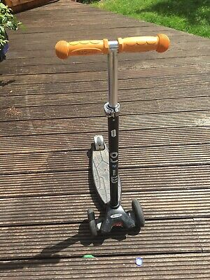 Maxi Micro Scooter Black With Orange Handles Used • 10£