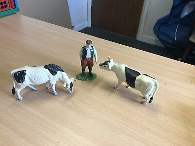 Farmer And Two Cow Figure Toys • 2.50£