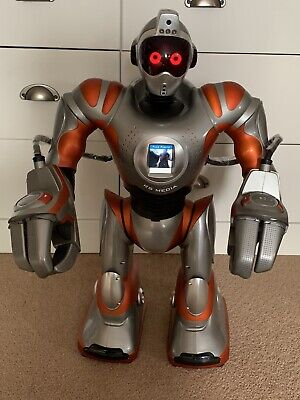 RS MEDIA ROBOT With REMOTE Still In Protective Cover Excellent Working Condition • 0.99£