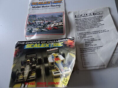 SCALEXTRIC CATAOLOGUE 28th EDITION AND 27 CIRCUITS VINTAGE  • 8.99£