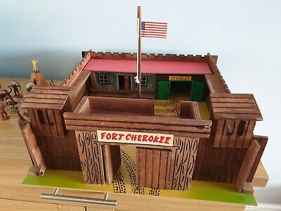 Vintage 1970s Lone Star Wooden Fort Cherokee Boxed With Wild West Indians • 65£