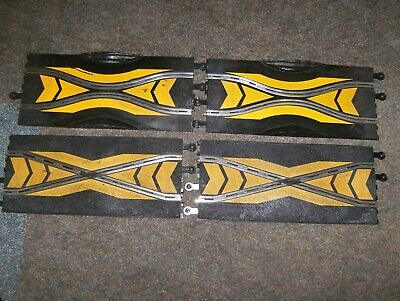 Scalextric Classic Track  2 X Crossover And 2 X Chicane • 8.99£