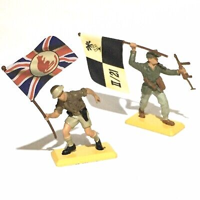 Britains Deetail Afrika Korps & 8th Army Flag Bearing Soldiers • 13£